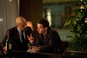 wright wahlberg broken city