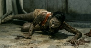 Evil Dead Crawling with knife